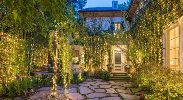 Jennifer Lawrence New Beverly Hills House Jennifer Lawrence New Beverly Hills House Jennifer Lawrence Beverly Hills Mansion