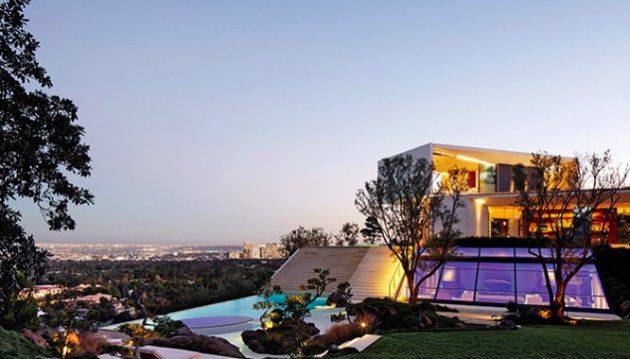 michael-bays-modern-los-angeles-home michael bay Michael Bay's Modern Los Angeles Home michael bays modern los angeles home