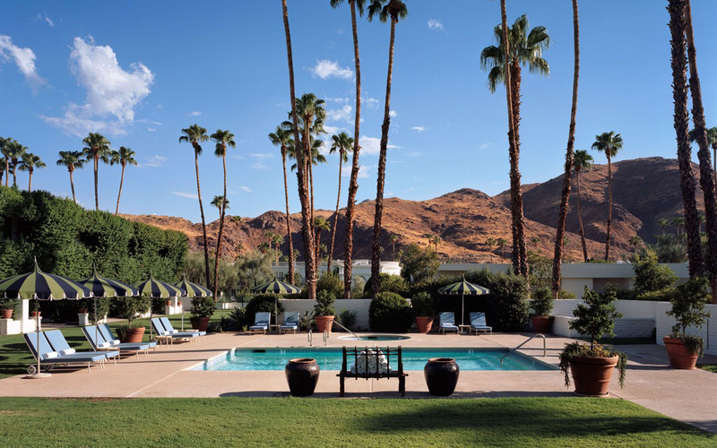 Be Amazed By Jonathan Adler's Outdoor At Parker Palm Springs Hotel jonathan adler Be Amazed By Jonathan Adler's Outdoor At Parker Palm Springs Hotel 22 Best Outdoor Projects from the Worlds Top Interior Designers