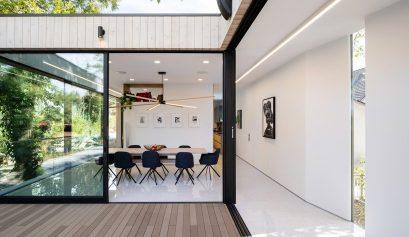 minimalist home Discover A Minimalist Home Over A Natural Stream In LA Discover A Minimalist Home Over A Natural Stream In LA 3 409x237