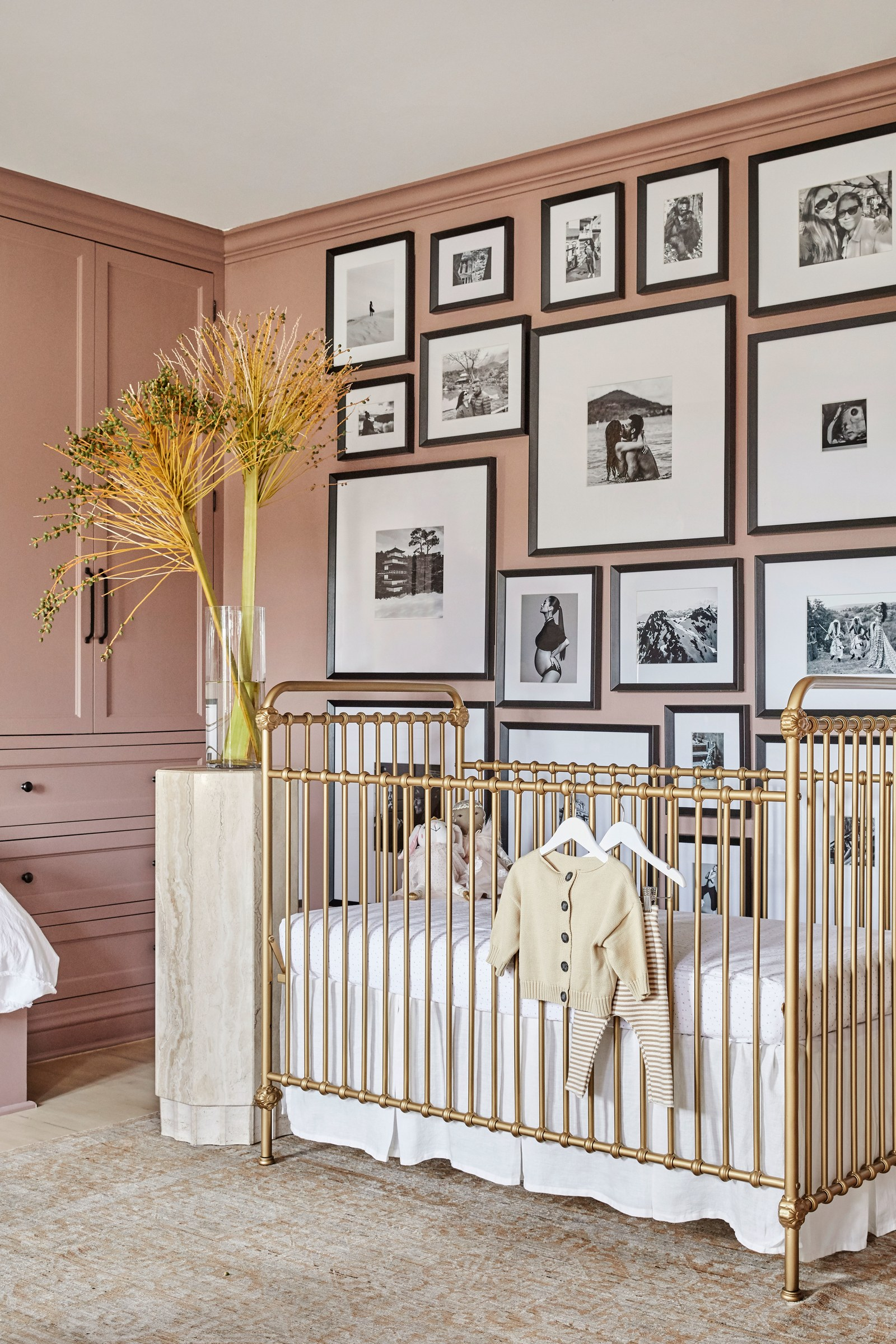 los angeles homes Los Angeles Homes: Meet Shay Mitchell's Redecorated Oasis 11