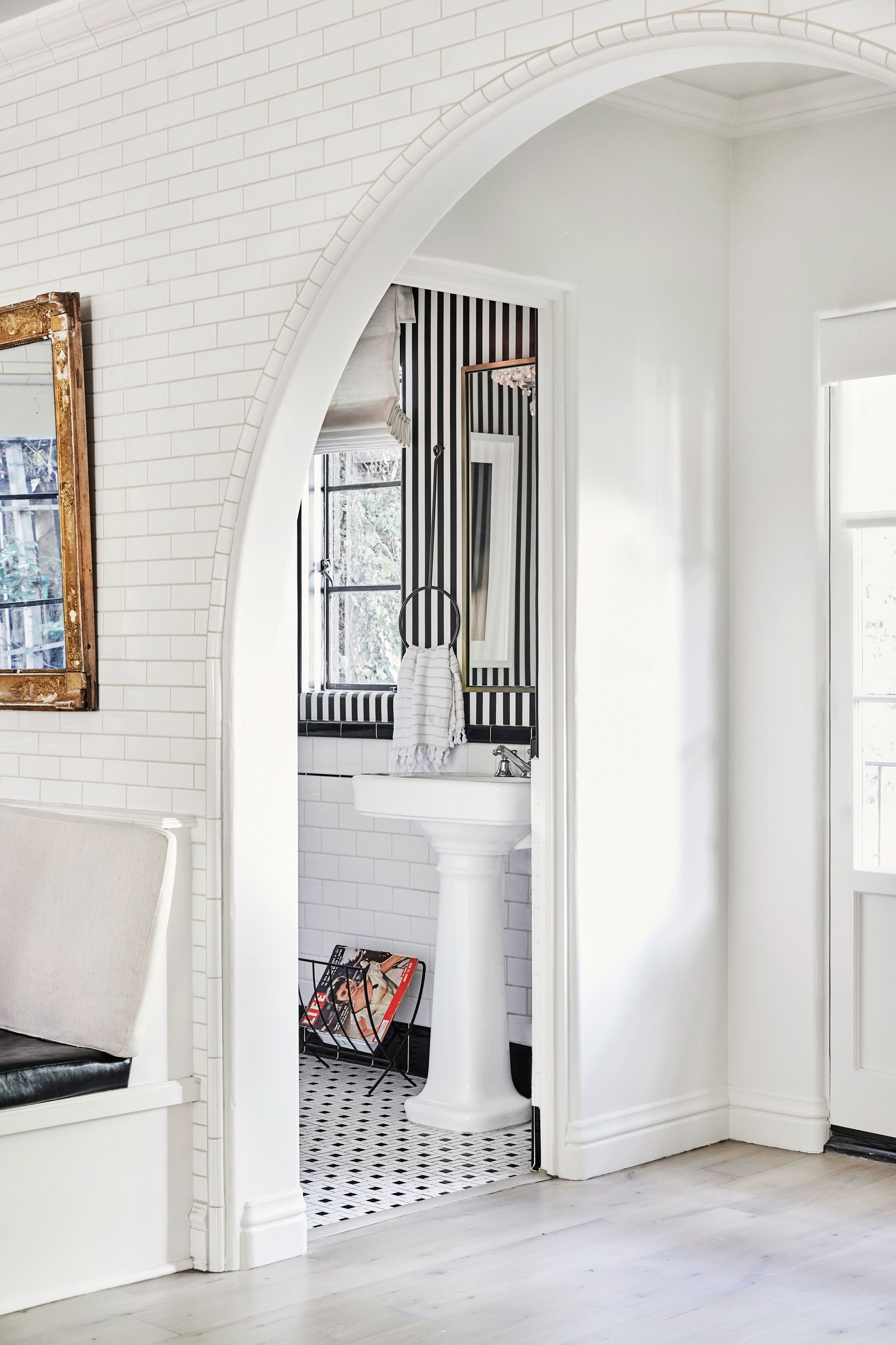 los angeles homes Los Angeles Homes: Meet Shay Mitchell's Redecorated Oasis 3