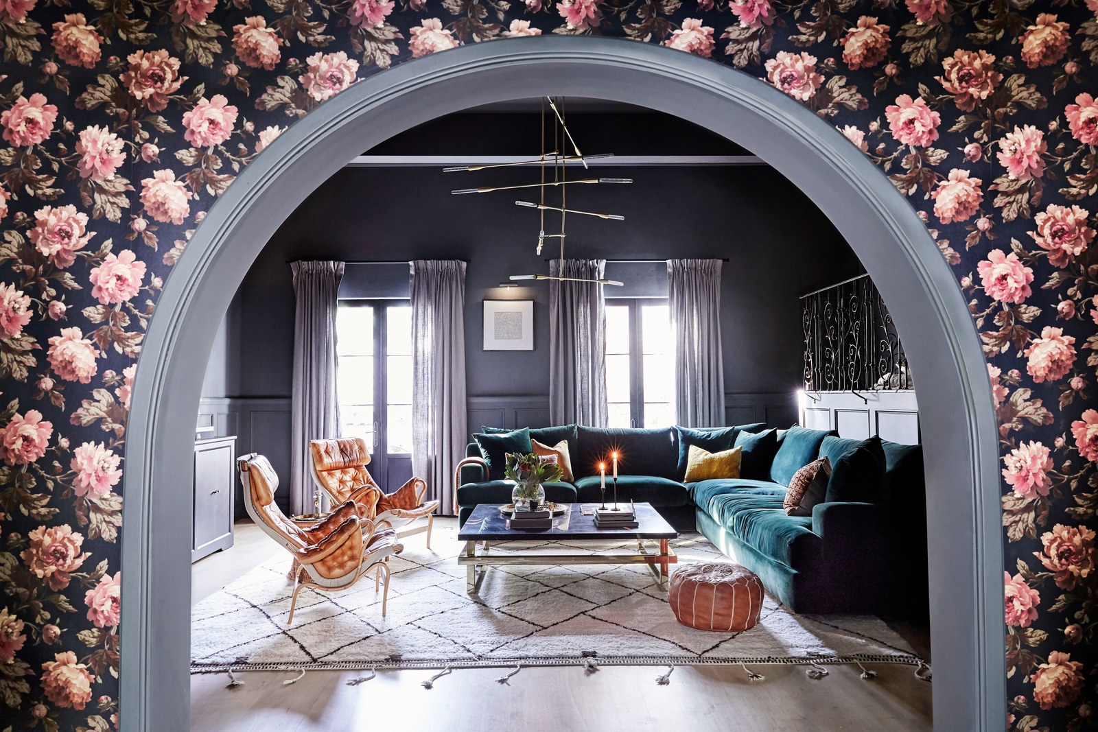 los angeles homes Los Angeles Homes: Meet Shay Mitchell's Redecorated Oasis 7