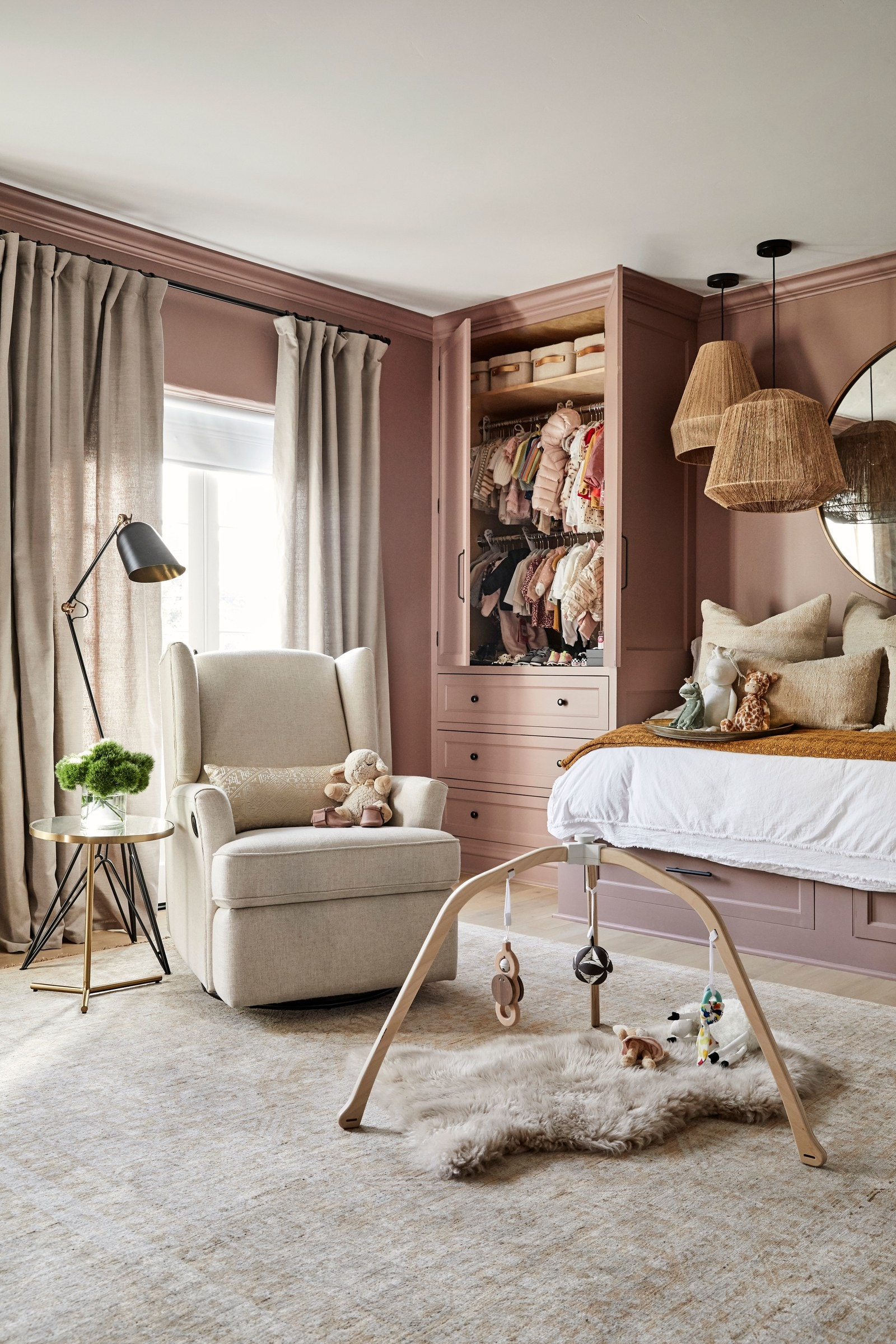 los angeles homes Los Angeles Homes: Meet Shay Mitchell's Redecorated Oasis 9