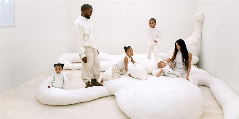 Minimalist Design in Kim Kardashian and Kanye West's California Home (6) kim kardashian and kanye west Minimalist Design in Kim Kardashian and Kanye West's California Home Minimalist Design in Kim Kardashian and Kanye Wests California Home 6
